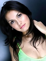 Maria Ozawa teasing in mini skirt